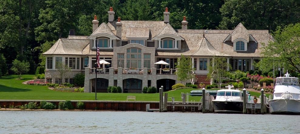 lake home builders